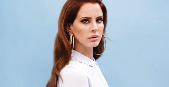 Lana Del Rey's new album steal top charts.